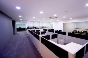 office renovation contractors in Delhi